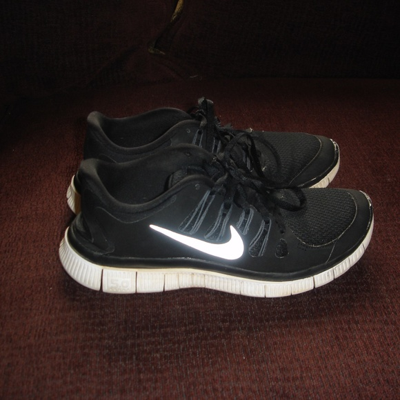 d3f3fd109daf6 Nike Free 5.0 Run Shoes Women 7.5 Black White. M 5b428ee99fe486892faf1d7f